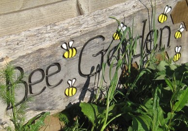 A photo of the bee garden sign